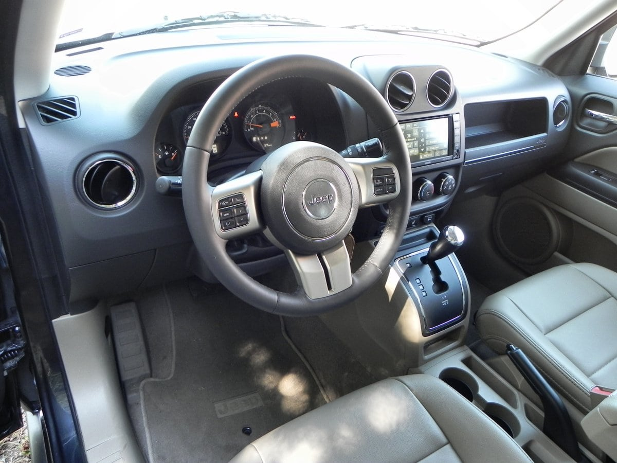 2015 Jeep Patriot   Interior 1   AOA1200px