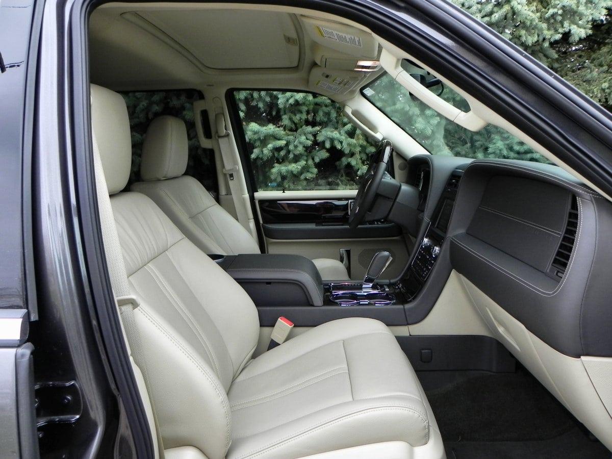 2015 Lincoln Navigator   Interior 14   AOA1200px