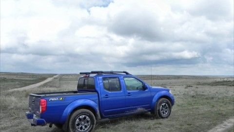 2015 Nissan Frontier Continues the Small Pickup Awesomness Trend
