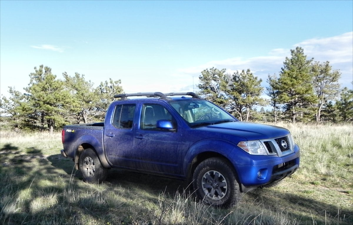 2015 nissan frontier continues the small pickup awesomness trend carnewscafe. Black Bedroom Furniture Sets. Home Design Ideas