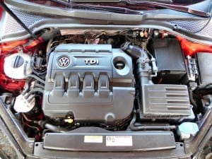 2015 Volkswagen Golf Sportwagen - engine 1 - AOA1200px