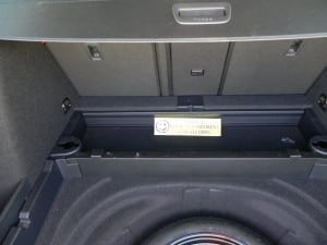 2015 Volkswagen Golf Sportwagen - secret compartment 2 - AOA1200px