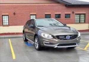 2015 Volvo V60 - bldg 2 - AOA1200px