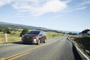2015_Toyota_Prius_v_002