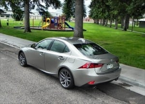 2015 Lexus IS 350 - park 3 - AOA1200px