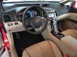 2015 Toyota Venza - interior 1 - AOA1200px