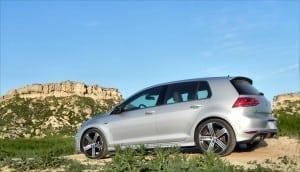 2015 Volkswagen Golf R - bluff 1 - AOA1200px