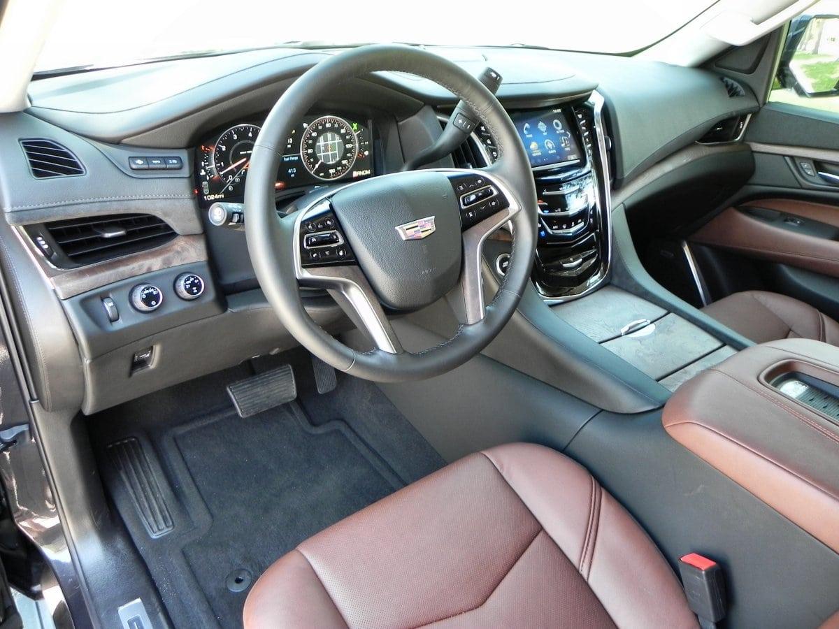 2015 Cadillac Escalade   Interior 1   AOA1200px
