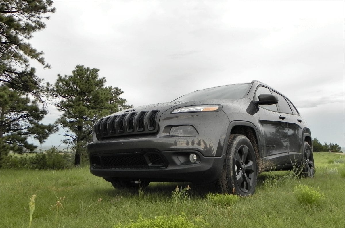 2015 jeep cherokee adds to an already awesome sport utility carnewscafe. Black Bedroom Furniture Sets. Home Design Ideas