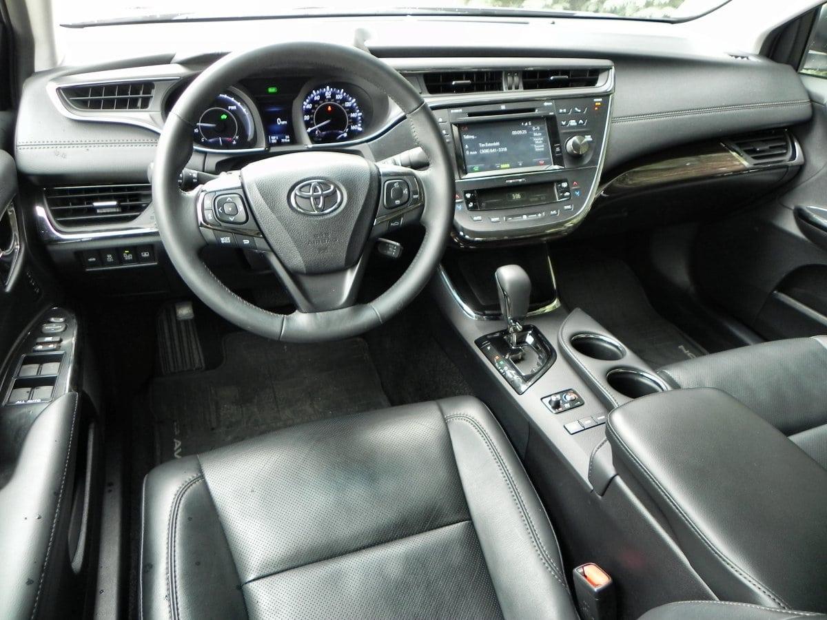 2015 Toyota Avalon Hybrid   Interior 5   AOA1200px