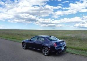 2015 Chrysler 300S - sky 6 - AOA1200px