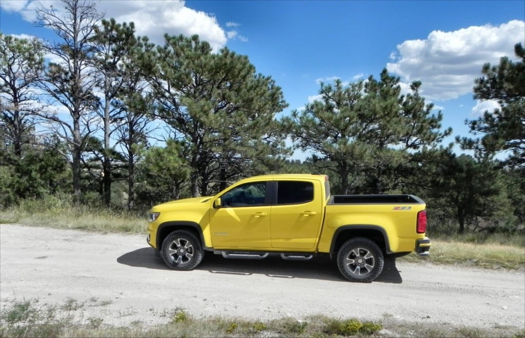 2015 Chevrolet Colorado - bluffs 1 - AOA1200px