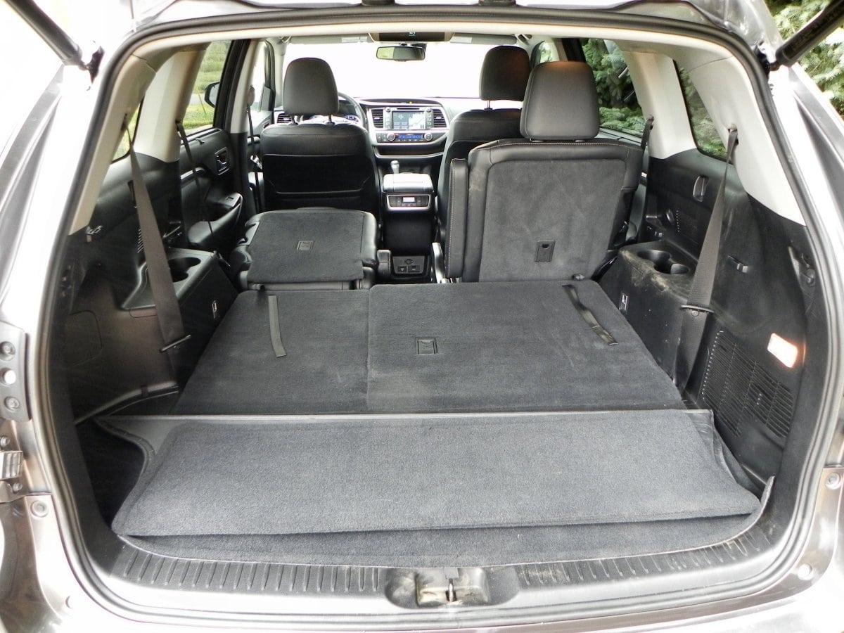 2015 Toyota Highlander   Interior 10   AOA1200px