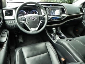 2015 Toyota Highlander - interior 6 - AOA1200px