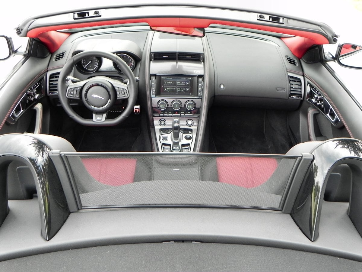 2016 jaguar f type r convertible may be the greatest car ever made carnewscafe. Black Bedroom Furniture Sets. Home Design Ideas