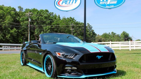 Ford and Petty's Garage Unveil 727 HP Mustang GT