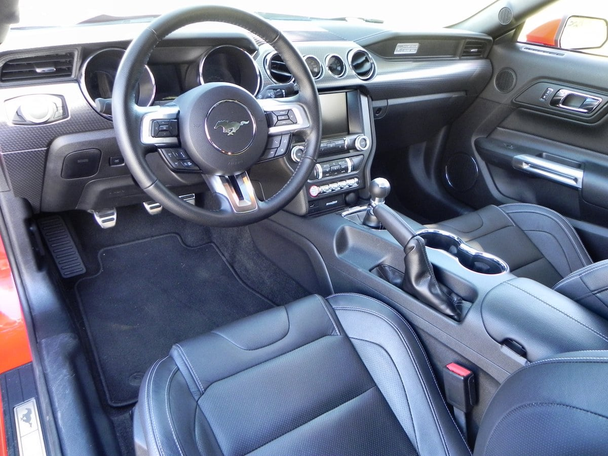 2015 ford mustang gt is the best pony yet carnewscafe for Ford mustang 2015 interior