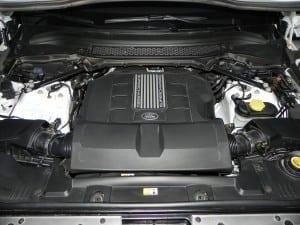 2015 Range Rover LWB - engine 1 - AOA1200px