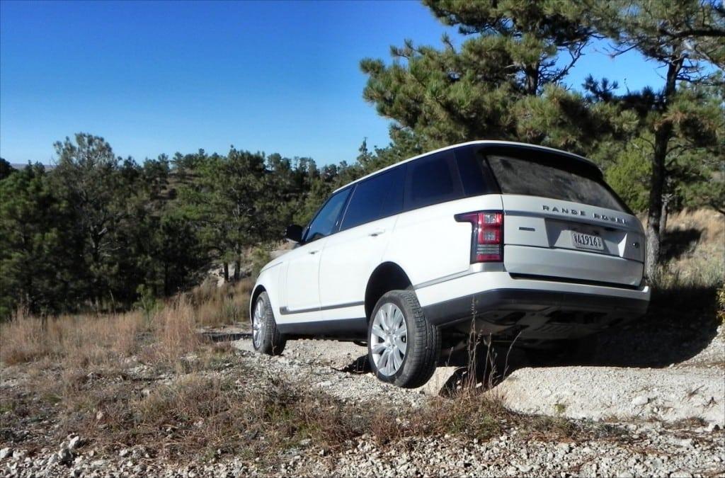 2015 Range Rover LWB - offroad 3 - AOA1200px