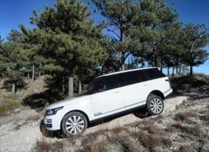 2015 Range Rover LWB is a Big Executive SUV