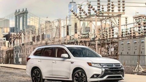 Mitsubishi Unveils 2017 Mirage, Outlander PHEV