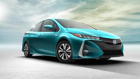 2017 Toyota Prius Prime Unveiled