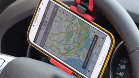 Best Ways to Use Your Phone in the Car, Without Texting