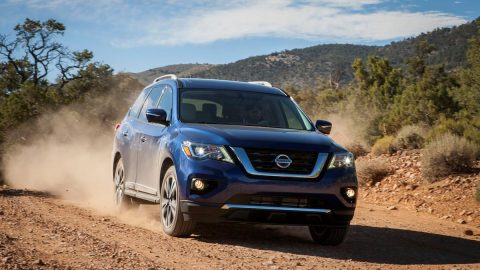 Refreshing refresh: Nissan Pathfinder screams, 'don't forget about me', in crowded field