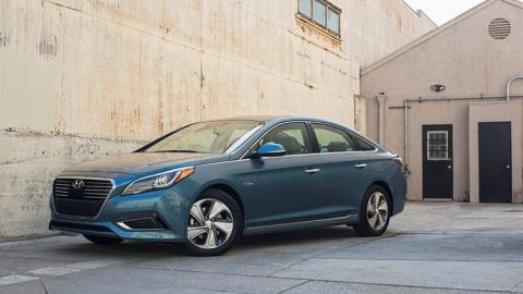 Plug N' Play: Hyundai Sonata offered as Plug-In Hybrid, fuel sipper